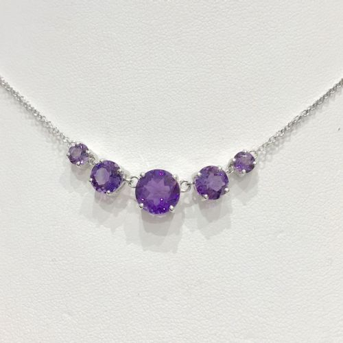 Amethyst 9 Carat White Gold necklace GN160M